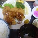 錦乃 - ヒレ1口カツ定食