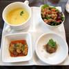 キッチンスヌーグ - 料理写真:前菜3種とスープ