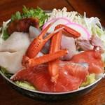 森瀧 - 「うどんすき鍋」 たっぷりの具材をまずは食べてください。 旬の素材をたっぷりとご用意致します。 シャキシャキとした白菜の歯触りは最高ですよ!