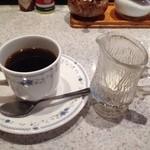 コーヒーハウス純 - ブレンドコーヒー400円