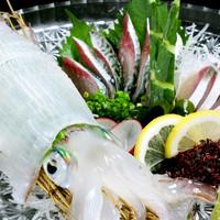 新鮮な鮮魚の刺し盛りもご用意しております♪