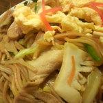 新華苑 - 料理写真:豚肉、いか、野菜など。