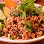 ダオタイ - ラープ・ガイ 鶏挽肉の和え物