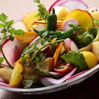 i-na cafe - 一番人気の鎌倉野菜の彩りサラダ