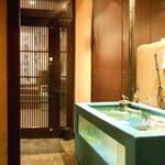 日本橋イカセンター - 店内の水槽