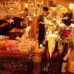 タント - 内観写真:カウンターで、サク飯!!サク飲み!!気軽にお立ち寄り下さい。