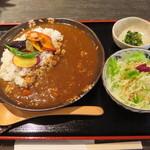 一蓮 - 野菜たっぷり鶏そぼろのカレー(雑穀ごはん入り)700円