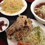 台湾料理 嘉宴楼 - チャーハン定食(醤油ラーメン)