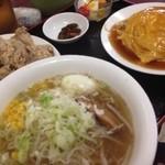 台湾料理 嘉宴楼 - ラーメン定食(塩)