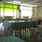 大遠会館 まぐろレストラン - 研修所のような雰囲気