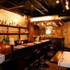 マルシェ デ ジュウバン - 内観写真:【1階】カウンターやハイテーブルで気軽にお食事を