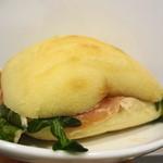 ル・ルソール - 生ハムのサンドイッチ 500円