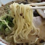 八十吉ラーメン - 麺アップ