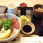 22160414 - 海鮮丼
