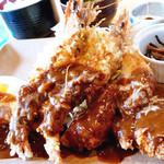 とん葛 - 料理写真:ミックスと目玉焼き定食 ドミグラスソース (1300円) '09 6月中旬