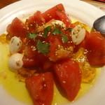 竜巣 - トマトとモッツァレラチーズの和風サラダ:690円