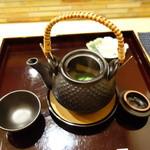 くずしよしよし - 鱧と松茸の土瓶蒸し