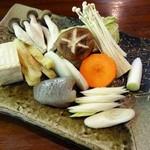 滝やま荘 - 地鶏の田舎鍋セットの野菜
