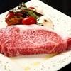 らくだのたまご - 料理写真:宴会コースの目玉! 国産牛肉ステーキ