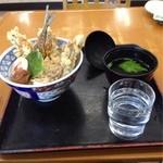 小田原パーキングエリア(下り線)スナックコーナー - 小田原あじ天丼600円