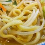 トナリ - 麺は太麺