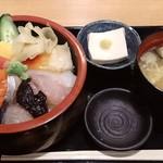 22257240 - 築地 魚一 西葛西店 海鮮丼 700円