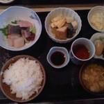 お食事処 大八 - 料理写真:お造り定食750円