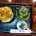 八百喜 - 清須ワングランプリ出展料理・信長かき揚げ天茶
