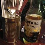 エル コマル メキシカンキッチン - ドリンク写真:とりあえずコロナビール