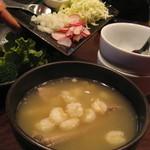 エル コマル メキシカンキッチン - 料理写真:大きなコーンと骨付き肉が入ったスープ。
