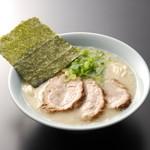 らーめん専門店小川 - 料理写真:半ちゃーしゅー麺