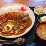 田舎家 - 料理写真:かつカレー980円