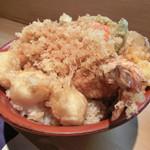 鎧 - 料理写真:帆立大海老丼
