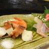 鮨さわ井 - 料理写真:適当につまみを・・・とお願いして、お造りがきました