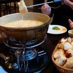 チーズフォンデュのブルーパロット -