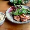 DILL - 料理写真:玄米定食(バルサミコチキンソテー?)