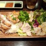 レッドドラゴン - 初台鶏飯(どっちも)\850