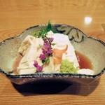 魚登久 - 湯波刺し 840円