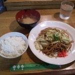えき亭 - 焼きそば定食