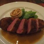 クネル - 仔鴨胸肉のステーキ