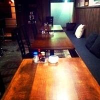最大15名様収容の半個室的テーブル席もご用意しております。