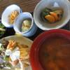 空間茶天 - 料理写真:日替わり定食¥800~、ドリンクとケーキ2種で¥1,250