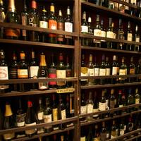 たくさんのワインでお出迎えいたします