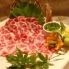 桜庵 - 料理写真:『特選トロ馬刺し』  あばら周りで甘味のある柔らか馬肉!県外ではお目にかかれない味です。