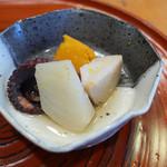 ろばた(呂者堂) - タコと野菜の煮物