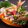 魚がし日本一 - 料理写真:まるで竜宮城!旬魚の船盛!
