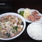 新華苑 - 料理写真:チャンポンとから揚げ