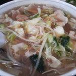 新華苑 - 料理写真:トロミのあるチャンポン