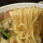 新華苑 - 料理写真:スープが良く絡みます。