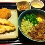 ひなた - ランパス利用。肉ぶっかけ、鶏天、メンチカツで500円ではありますが…。